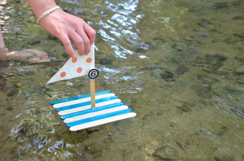 These Boats Are A Fun And Easy Summer Craft For Kids Of All Ages It Also Helps Learn To Follow Instructions Be Creative Problem Solve